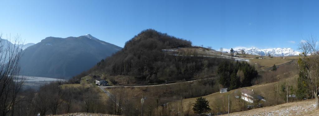 Vista della nostra valle e dei nostri terreni terrazzati a ridosso della collina denominata Castelaz - Gaia Erbe